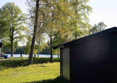 Stuga och sjö Valle Camping